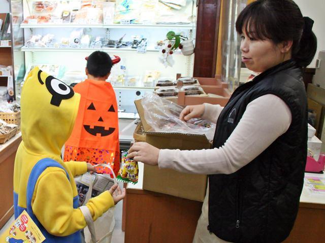 おさんぽハロウィン IN 堀与商店